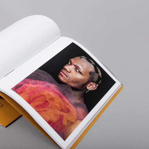 Tabula Rasa magazine inside spread